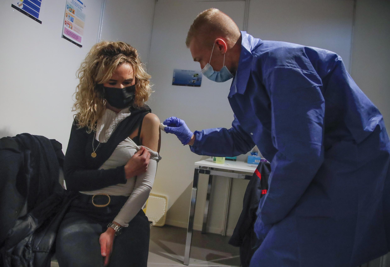 Image RFI Archive - France Paris vaccination