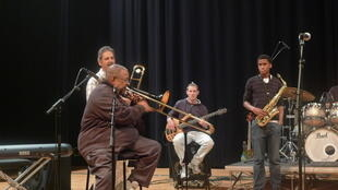 Fred Wesley playing trombone