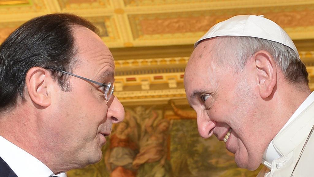 Tổng thống Pháp François Hollande và Đức Giáo hoàng Phanxicô ngày 24/01/2014 tại Vatican.