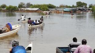 En plus des difficultés liés aux gouvernement et aux rebelles, les Soudanais doivent faire face aux inondations, ici à Pibor, dans l'Etat de Boma, le 11 décembre 2019.