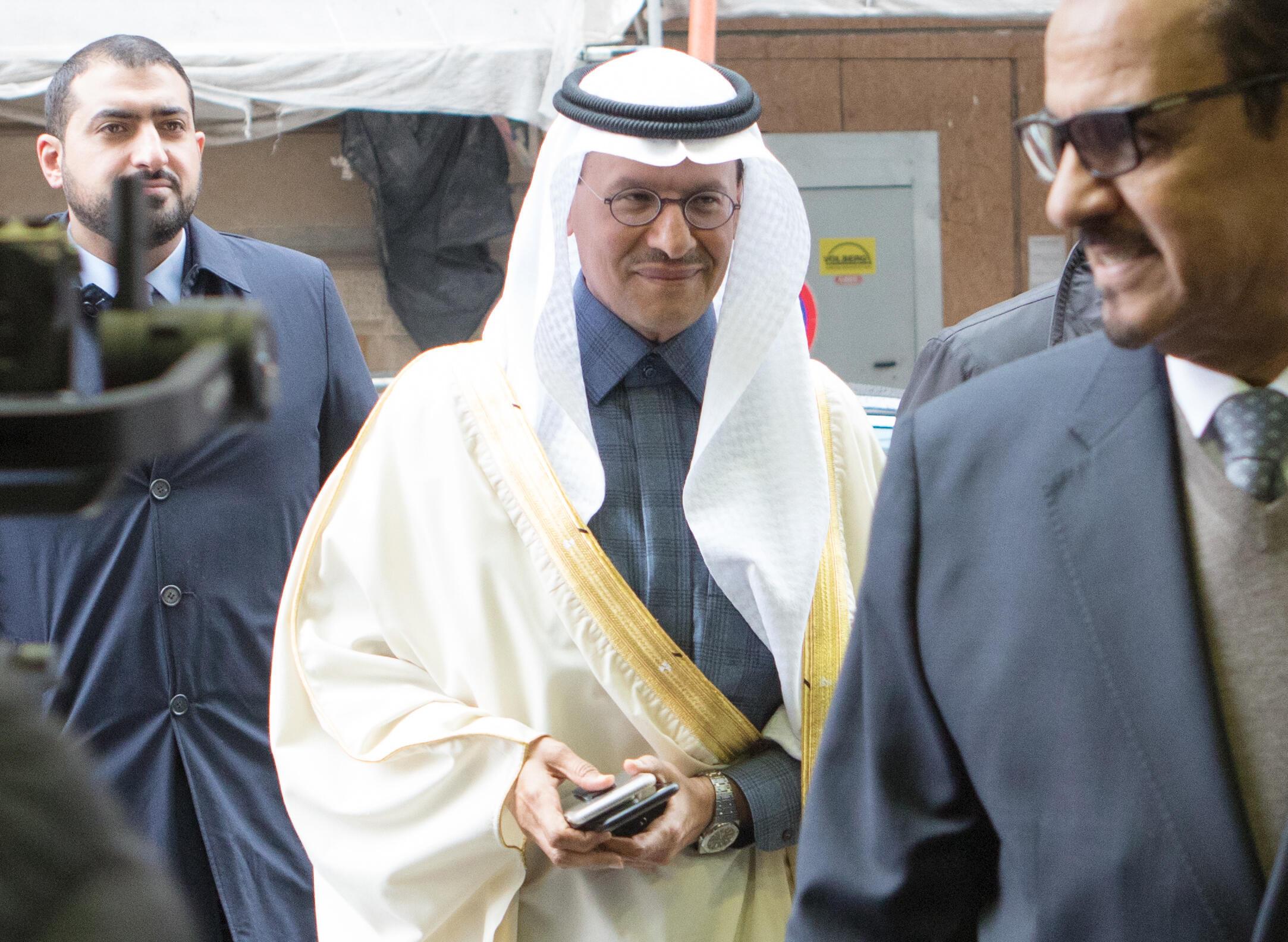 Image d'archive RFI : le ministre saoudien de l'Énergie, Abdelaziz bin Salman, participe à une réunion de l'OPEP à Vienne le 6 mars 2020