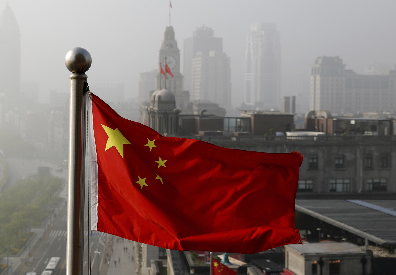 上海一处飘扬的中国国旗