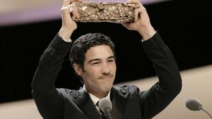 Tahar Rahim poses with his Best Actor award