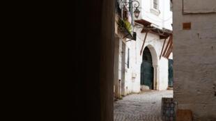 En Algérie, une ruelle de la Casbah d'Alger, classé patrimoine mondial de l'humanité.