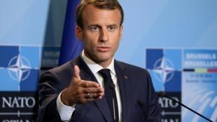 Tổng thống Pháp Emmanuel Macron trong một cuộc họp báo nhân thượng đỉnh NATO, Bruxelles, Bỉ, ngày 12/07/2018.