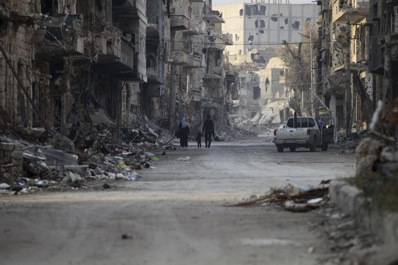 Thành phố Deir Ezzor sau một trận oanh kích của quân đội Damas, tháng 11/2013.
