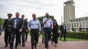Au Havre, ville dont il a été maire, Edouard Philippe a joué les guides touristiques pour Dmitri Medvedev.