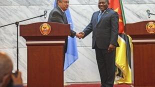 Sakatare Janar na Majalisar Dinkin Duniya António Guterres tare da shugaban kasar Mozambique FIilipe Nyusi
