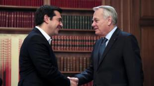 Le Premier ministre grec recevant le ministre français des Affaires étrangères, à Athènes, le 25 octobre 2016.