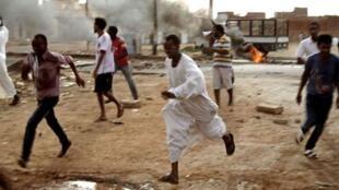 苏丹喀土穆爆发反总统巴希尔示威游行  2013年