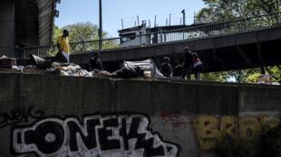 Un camp de migrants au nord de Paris longeant le périphérique, le 15 mai 2019 (Image d'illustration).