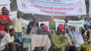 Des habitants qui se disent victimes d'accaparement au Mali. Leurs maisons ont été détruites.