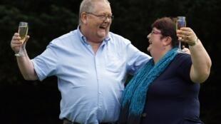 Os escoceses Colin e Chris Weir bateram o novo recorde da loteria europeia.