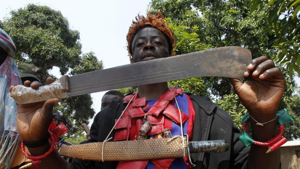 Avec son groupe, le 5 décembre 2013, celui qui ne se prétend alors que « colonel », participe à la vaste offensive sur Bangui.