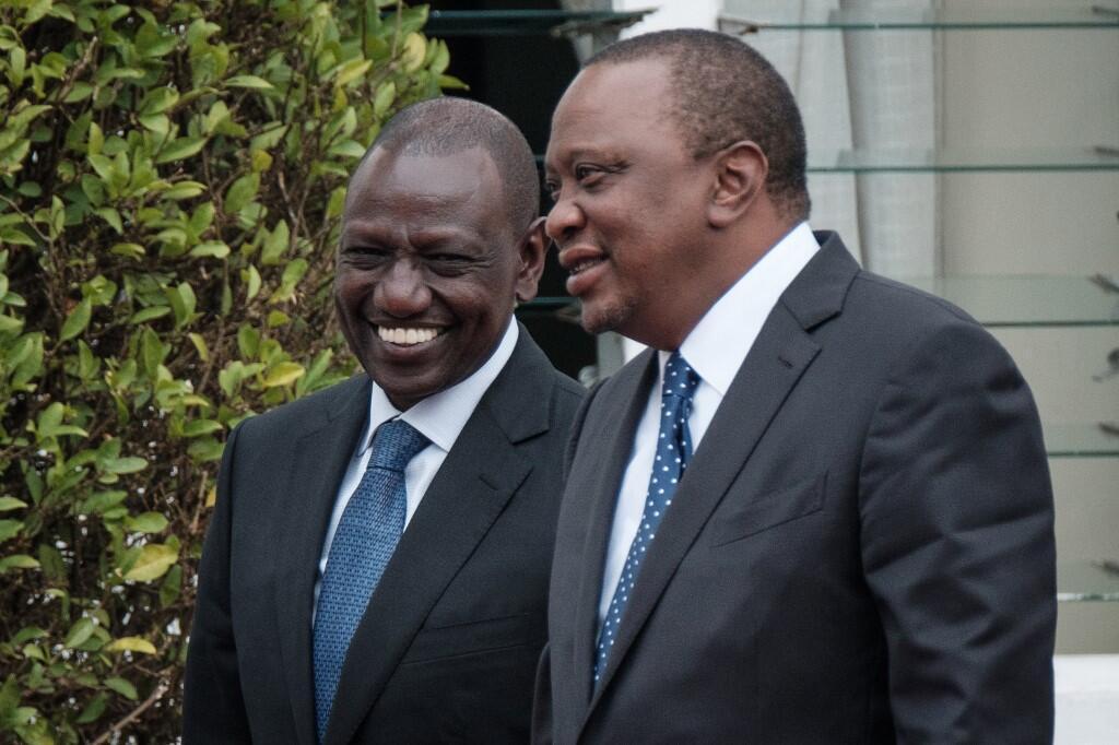 Rais wa Kenya Uhuru Kenyatta (kulia) na Makamu wa tais William Ruto.