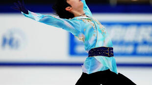 Yuzuru Hanyu blew the competition away with an effortlessly graceful free skate at Japan's figure skating national championships on Saturday