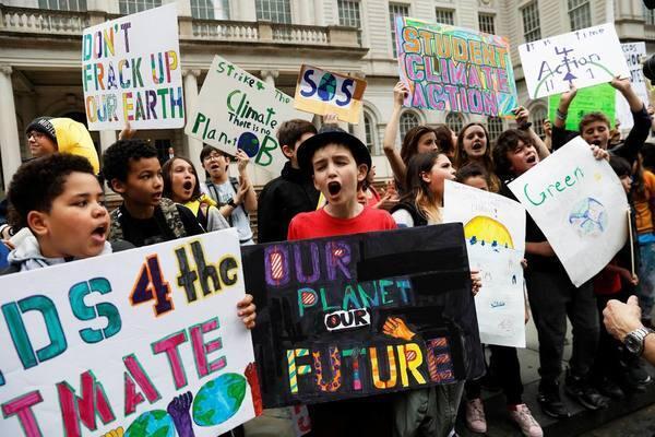 關注氣候-美國青年走上紐約街頭