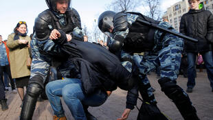 Задержание на акции «Он вам не Димон» в Москве 26 марта 2017