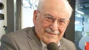 Alberto Eiguer en los estudios de RFI