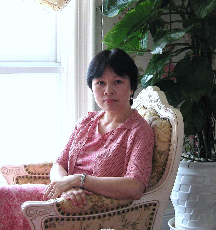 Tiến sĩ Khuất Thu Hồng