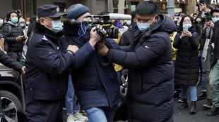chine-journaliste-etranger-bloque-police