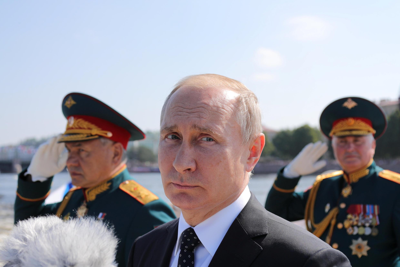 (Ảnh minh họa). Tổng thống Nga Vladimir Putin khi thị sát cuộc tập trận hôm thứ Năm 13/09/2018 đã hứa hẹn tăng cường sức mạnh cho quân đội.