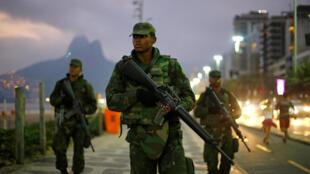 Segurança reforçada para os Jogos Olímpicos do Rio, em Ipanema.