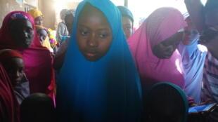 Algumas das alunas libertadas em Dapchi, no norte da Nigéria.
