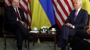 Joe Biden et Petro Porochenko, ici le 7 février 2015 à Munich.