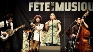 O grupo Moriarty, na Festa da Música de Bruxelas, em 21 de junho de 2011.