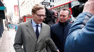 Alexander Nix, Directeur de Cambridge Analytica à son arrivée dans les bureaux de la Socièté britannique.
