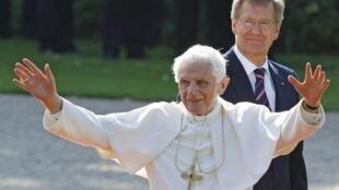 Fafaroma Benedict lokacin da ya kai wata ziyara a Berlin kasar Jamus