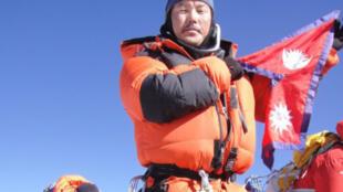 Prom Dorchi Lama, guide de haute montagne sur l'Everest.