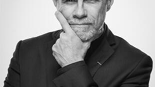 Carlos Moreno recibió la Medalla de Prospectiva 2019 de la Academia de Arquitectura de Francia.