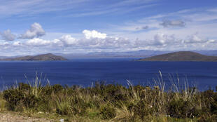 Photo prise le 2 juin 2013 du lac Titicaca en Bolivie.