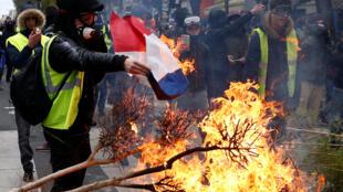 Một cảnh biểu tình Áo Vàng ở Paris, Pháp, ngày 08/12/2018.