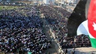 Rassemblement de manifestants jordaniens, à Amman, la capitale. Photo, le 18 février 2011.