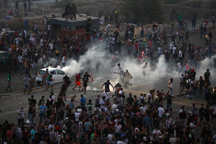 Jam'an tsaro sunyi amfani da hayaki mai sa kwalla kan masu zanga-zanga a Beirut