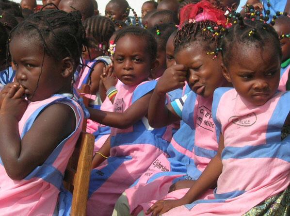 Des petites filles d'une école de Brazzaville.