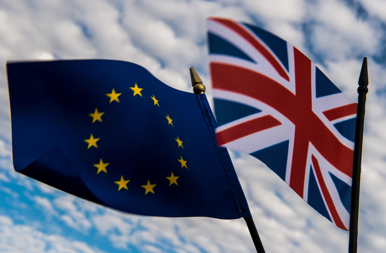 Dez dias antes do referendo sobre a permanência do Reino Unido na União Europeia, o assunto ainda divide.
