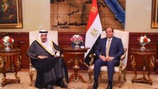 Shugaban kasar Masar Abdel Fattah al-sisi yayin ganawarsa da Sarki Salman na Saudiyya.