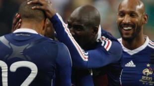Les Bleus célèbrent leur but synonyme de Mondial 2010.
