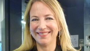 La escritora Soledad Fox en los estudios de RFI.