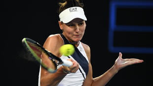 An aggressive Simona Halep revived her stuttering Australian Open campaign Friday with a straight sets demolition of Veronika Kudermetova