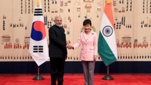 Thủ tướng Ấn Độ, Narendra Modi và Tổng thống Hàn Quốc Park Geun-Hye tại Nhà Xanh ngày 18/05/2015.