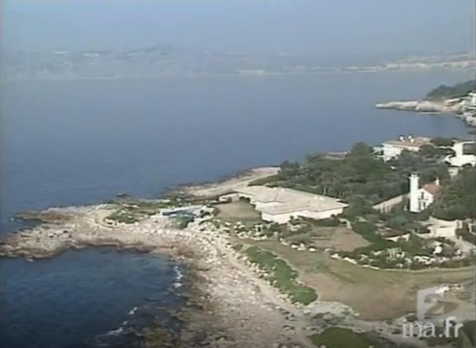 Вид на участок Гайдамака, когда там еще находилась вилла Пеллерина.