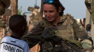 La caporal-chef Christelle au Mali lors de l'opération Serval.