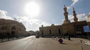 Vue de la mosquée Al-Azhar, au Caire, le 24 mai 202. Un premier jour de l'Aïd sans fête en pleine épidémie de Coronavirus.
