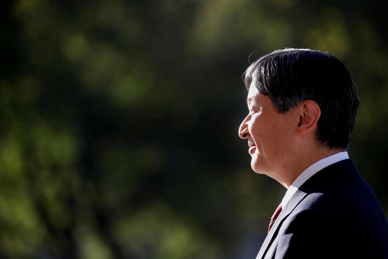 O imperador japonês Naruhito é entronizado após a abdicação de seu pai Akihito.