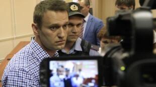 Alexeï Navalny a été condamné à cinq années de détention, à l'issue d'un procès fleuve pour détournement de fonds, le 18 juillet 2013.